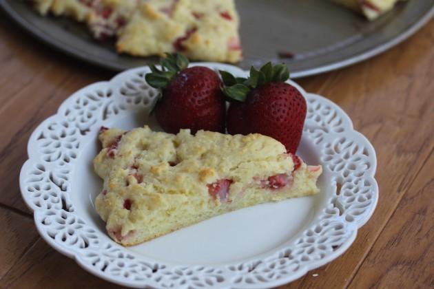 Gluten Free Strawberries and Cream Scones_